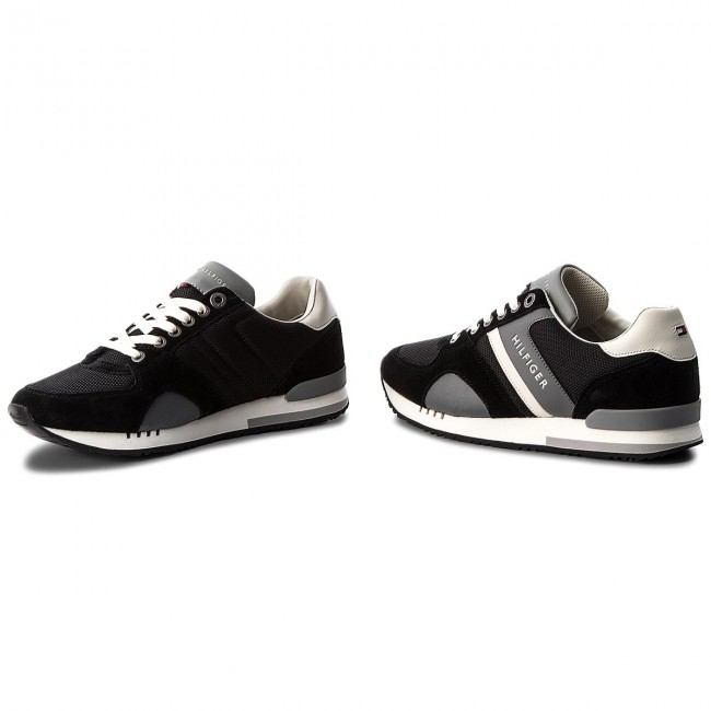Sneakers TOMMY HILFIGER New Iconic Sporty Runner FM0FM01655 Black 990